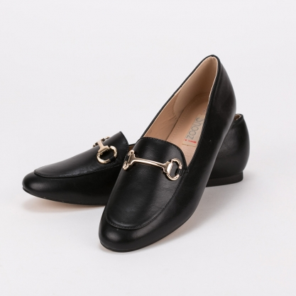 Loafers με μεταλλική αγκράφα - ΜΑΥΡΟ 8245