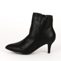 Ankle boots με χαμηλό τακούνι