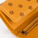 Πορτοφόλι-τσαντάκι με ανάγλυφο σχέδιο