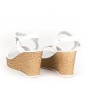 T-strap πλατφόρμες