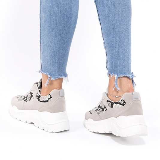 Sneakers με snake μοτίβο