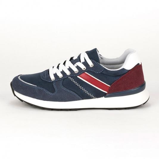 Sneakers σε κλασική γραμμή