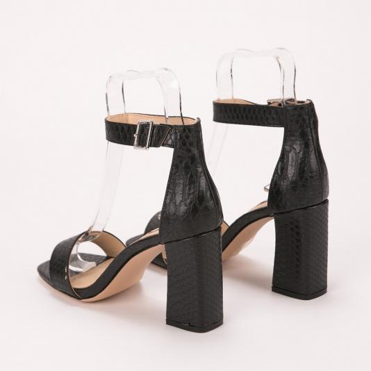 Πέδιλα μαύρα με τακούνι και υφή croco