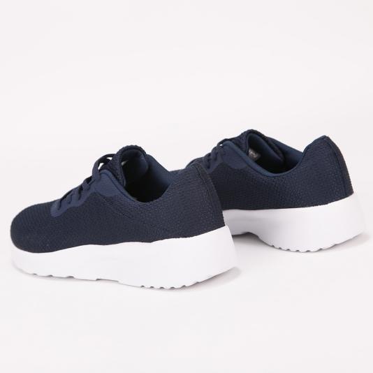 Ελαφριά μονόχρωμα αθλητικά παπούτσια