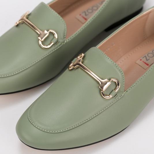 Loafers με μεταλλική αγκράφα