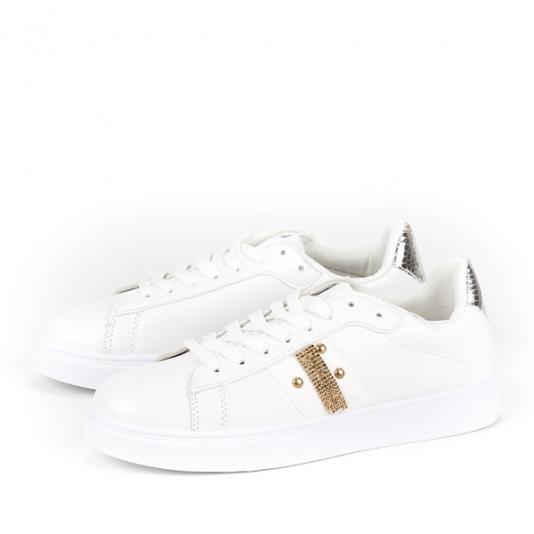 Sneakers με χρυσά τρουκς