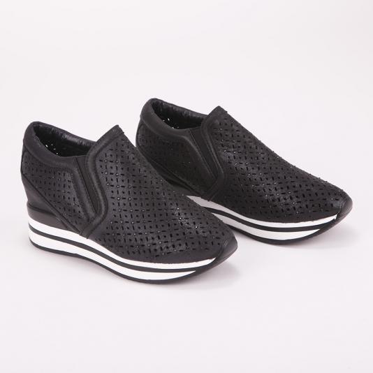 Διάτρητα δίσολα sneakers