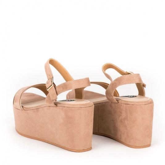 Πέδιλα πλατφόρμες με ντυμένο τακούνι