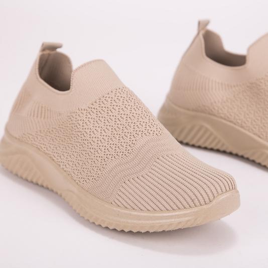 Μονόχρωμα slip on sneakers