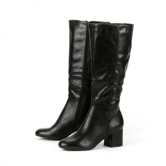 Μαύρες μπότες με τετράγωνο τακούνι