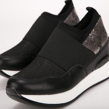 Sneakers με συνδυασμό υλικών και λάστιχο