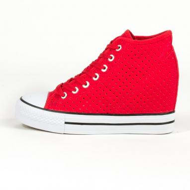 Τρυπητά sneakers με τακούνι
