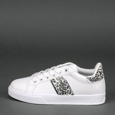 Basic sneakers με animal print