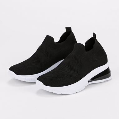 Knit sneakers με διακριτική λεπτομέρεια στη σόλα
